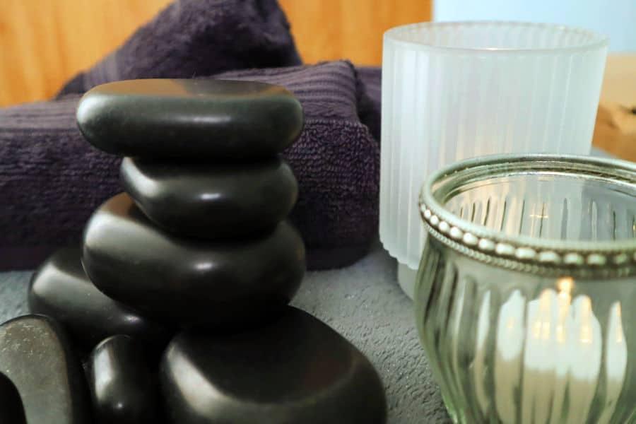 Hot stone masaža – terapija toplinom za bolje zdravlje